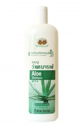 Шампунь с соком алоэ для сухих и повреждённых волос Абхай. Abhaibhubejh Aloe Shampoo.